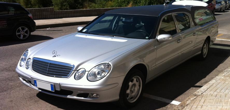 Auto Funebre modello Mercedes