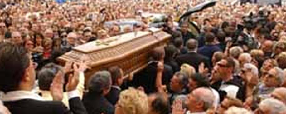 il corteo in un servizio funebre